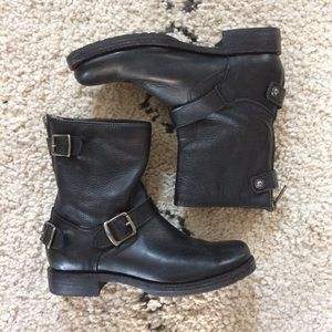 FRYE Veronica black leather backzip boots 38